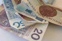 Banki znów przykręcają kredytową śrubę